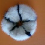Резинка из синей и белой норки