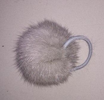 Помпон из норки на резинке