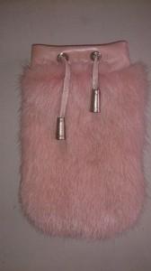 Розовый чехол для мобильного