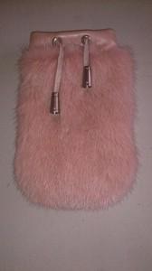 Розовый чехол на телефон